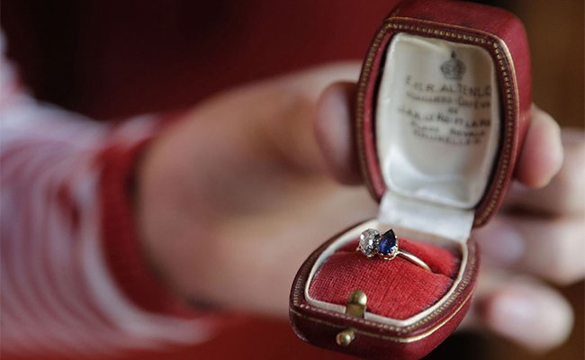Napoleon's engagement ring for Josephine fetches 8,000 at Auction